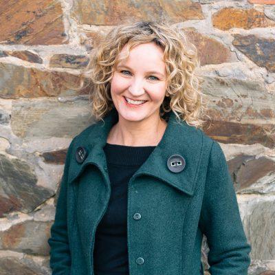 Lisa  Bishop Headshot